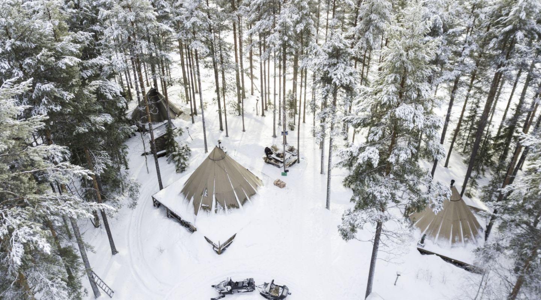 Auroa Safari Camp Sweden Snow in Camp