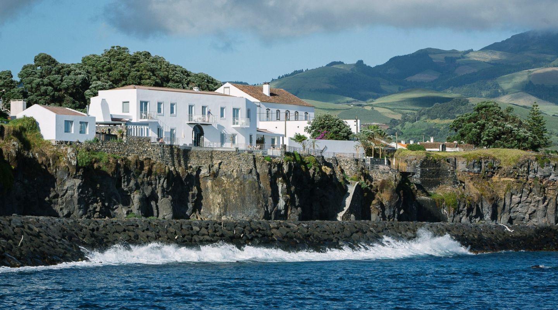 White Suites and Villas 13