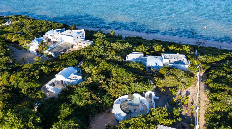 E 2021 HOWARD Santorini Moz 20