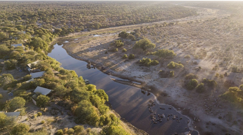 20 Meno a Kwena Arial camp and river at dawn 2021 04 08 113929